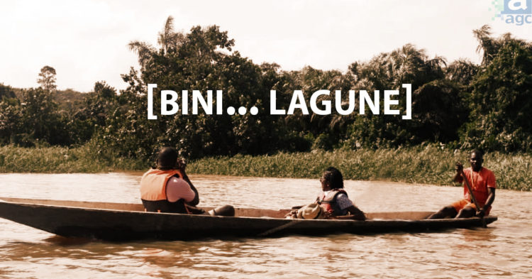 3 personnes pirogue sur lagune aghien