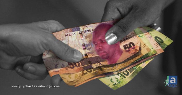 mains-echangeant-billets-de-banques